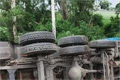 8 died in road accidents