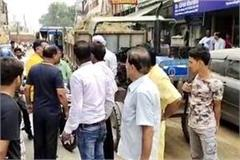 overloaded vehicles get disturbed on the roads on the nahar nahari road