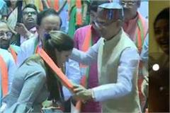 haryanvi dancer sapna choudhary joins bjp