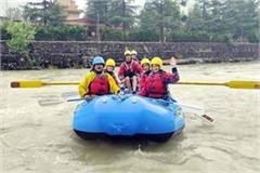 25 trainees learned the nuances of rafting
