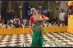 the spectators spellbound by hema malini s dance say wow