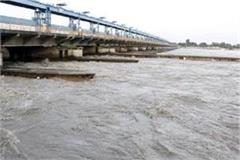 water level in ganga yamuna rises
