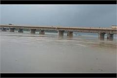 increase in water level of ganga yamuna due to rainy water