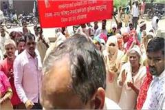 sanitary workers angry over government s promise