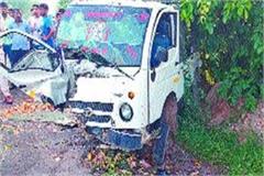 one killed 11 injured in bolero pick up and tata magic