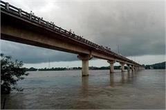 high alert of rain in mp crisis over 32 districts