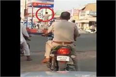 police themselves violating traffic rules