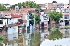 thousands of people vulnerable to floods in varanasi