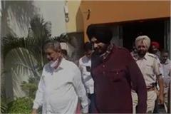 navjot singh sidhu arrives in moga to join rahul s tractor march