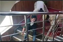 attempt to commit suicide in front of police commissioner office