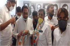 150 aap workers join congress in mp