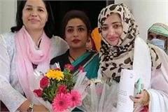 urusha daughter of famous poet munawar rana joins congress got this post