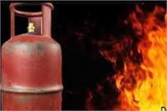 5 including 7 month old girl scorched fire due to gas leaking