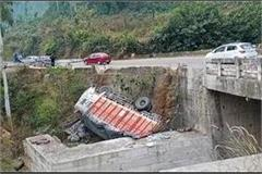 truck rolled in nihari driver injured