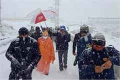 cm yogi trivendra singh rawat stranded in kedarnath