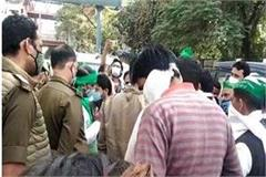 police stopped farmers in ghaziabad