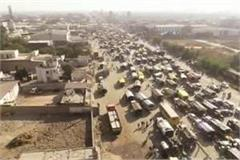 8 to 10 km long jam at sonipat delhi singhu border