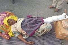mahindra kaur stood on delhi front despite being injured