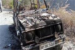 vehicle burnt in sundla