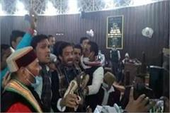 kanpur councilors cut up commotion at municipal meeting