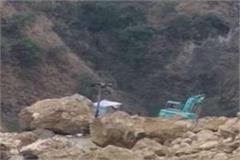riding hill narrowly survived vehicle on chandigarh manali nh