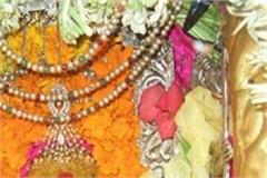 one lakh devotees visited mother in new year s fair