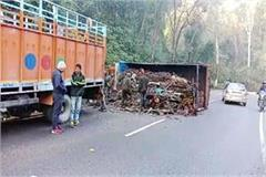 accident on nh 503 truck overturns on middle of the road