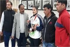 taxi driver s daughter wins browse medal in games india championship