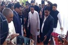 cm arrives bjp mla narayan tripathi s house satna paid homage late father
