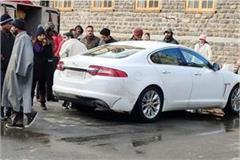 punjab number car reached mallroad