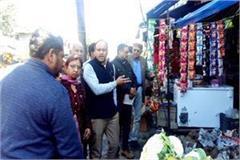 sdm landed on gandhigiri to remove encroachment