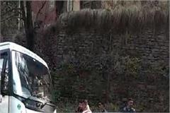 strong collision between hrtc bus and alto car in shimla