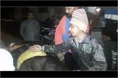 son father death road accident police ambulance jalandhar hindi news