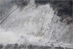 kullu landslide traffic interrupted