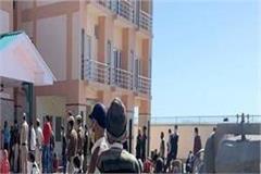 curfew children and sobbing elders arrive at himachal border