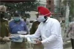 pizza distributed to punjab police serving people in curfew