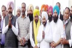 punjab in charge of aap jarnail singh and mp bhagwant mann salute the martyrs