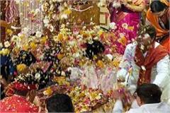 gokul chandramaji temple burhanpur rains flowers amidst songs gunge phag
