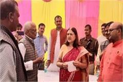 sultanpur maneka gandhi arrives on a two day visit