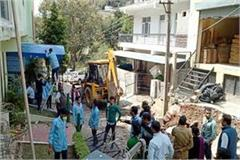 jcb run on encroachment in parwanoo