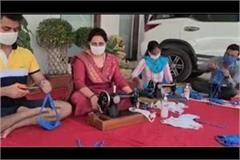 mp sunita duggal made masks on her birthday and distributed them among people