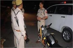 noida police commissioner did surprise inspection of check post and barrier