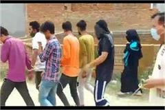 meerut 2 women and 6 youth arrested