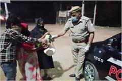 example up police head constable rajendra helping the needy in this unique way