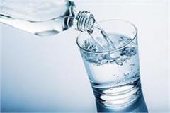 oops women 2 9 and men must drink 3 7 liters of water
