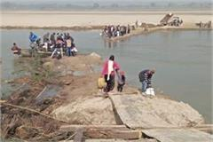 saharanpur police arrested the people crossing the yamuna river