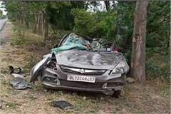 tragic accident high speed car collides with tree woman dies