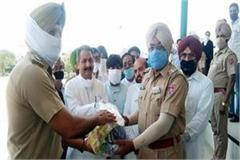 cabinet minister vijay inder singla honored corona warriors