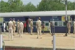 workers special train for migrant laborers departed from maharashtra to up
