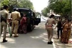 kanpur woman beaten by water cooler near police station video viral
